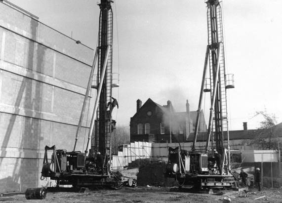 The construction of St George's in Tooting, 1973.