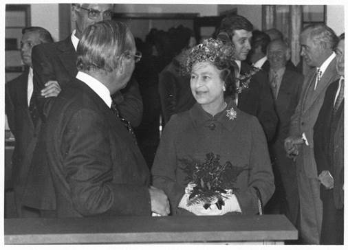 The Queen opens the hospital and medical school.